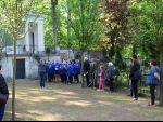 Vystoupení k pietnímu aktu na hřbitově 18